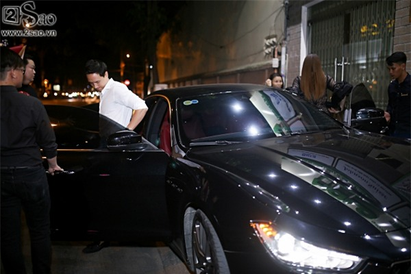 Hà Hồ lái xe đưa Kim Lý đi sự kiện trên xế hộp 7 tỷ mới tậu-1