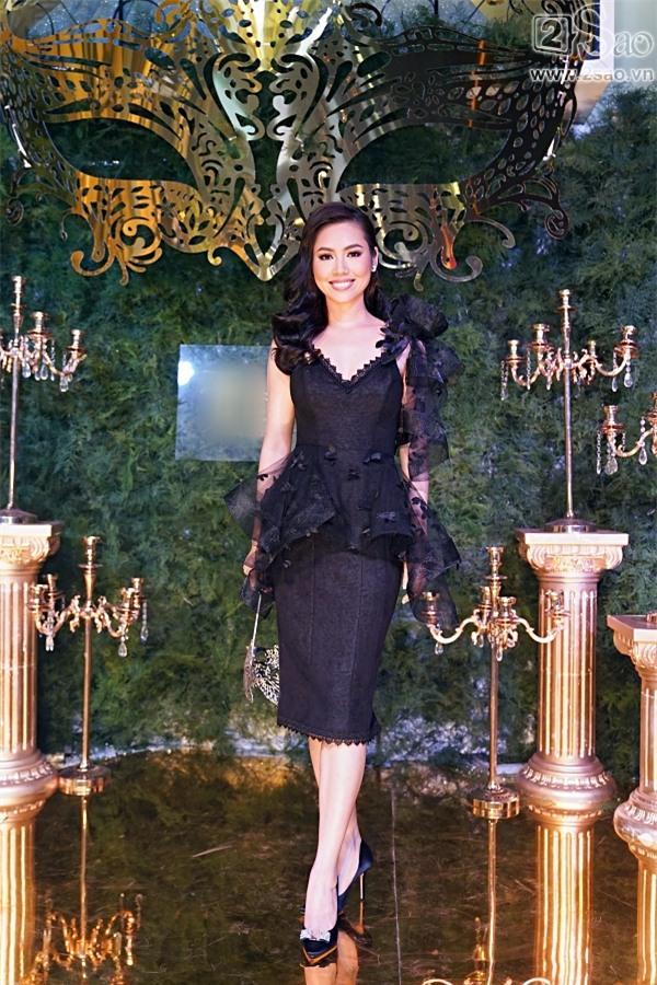 Hà Hồ lái xe đưa Kim Lý đi sự kiện trên xế hộp 7 tỷ mới tậu-7