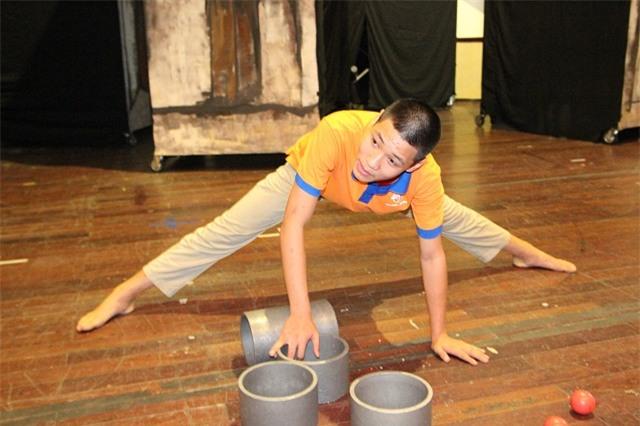 hanh trinh ong bó ha noi giúp con trai tù cạu bé tụ kỷ thành kỷ lục gia - 2