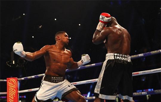 Đánh kẻ thách đấu đổ máu, Joshua bảo vệ đai vô địch - Ảnh 3.