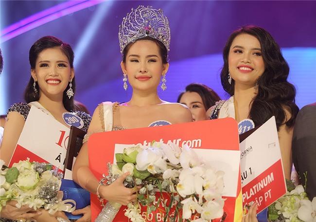 Khẳng định môi tự nhiên nhưng mới đầu năm 2017 Tân Hoa hậu Đại dương Việt Nam còn trông như thế này! - Ảnh 1.