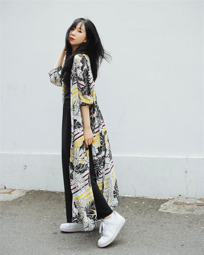 Học được gì từ phong cách thời trang thu đông của 6 Fashionista nổi tiếng nhất xứ kim chi? - Ảnh 3.