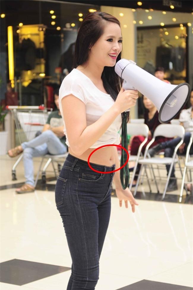 khoanh khac lo vong 2 to bat thuong khien cac my nhan viet chi muon don tho - 11