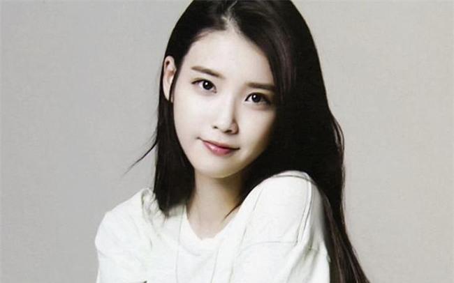 Kimchi Woman: Mẫu phụ nữ Hàn Quốc thích xài hàng hiệu, sẵn sàng phẫu thuật thẩm mỹ nhưng lại khăng khăng mình đẹp tự nhiên - Ảnh 4.