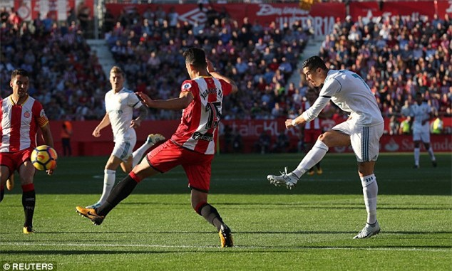 Ronaldo tịt ngòi, Real thua sốc, để Barca bỏ xa 8 điểm - Ảnh 4.