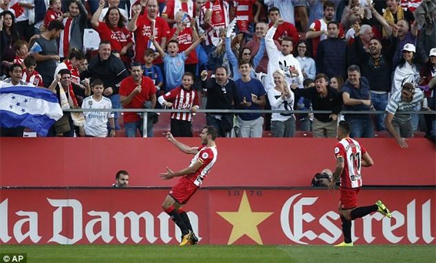 Ronaldo tịt ngòi, Real thua sốc, để Barca bỏ xa 8 điểm - Ảnh 5.