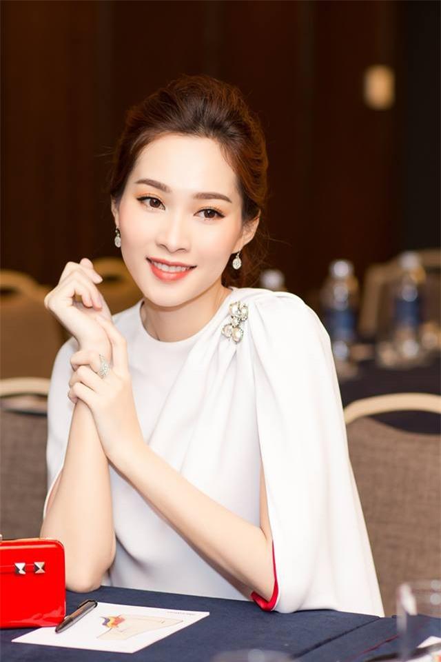 Những Bông hậu hiếm hoi không vướng nghi án thẩm mỹ của showbiz Việt - Ảnh 4.