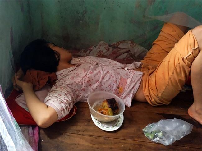 Hà Nội: Tận cùng nỗi đau, sự khốn khổ của một gia đình có nhiều người tâm thần - Ảnh 3.