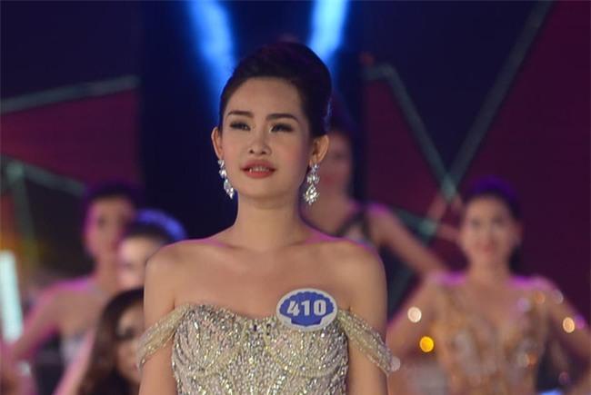 Cận cảnh nhan sắc 5 Hoa hậu bị ném đá dữ dội nhất ở thế giới và Việt Nam - Ảnh 17.
