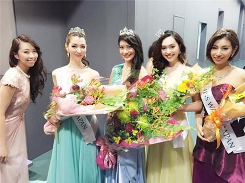 Cận cảnh nhan sắc 5 Hoa hậu bị ném đá dữ dội nhất ở thế giới và Việt Nam - Ảnh 5.