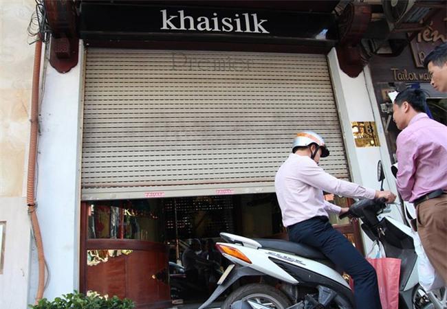 Người đàn ông mang khăn lụa Khaisilk tặng vợ hôm 20-10 nhất quyết đến cửa hàng trả lại - Ảnh 9.