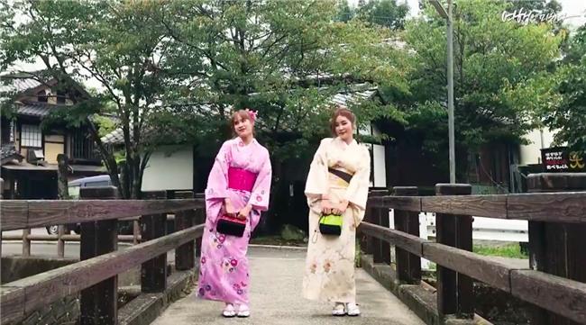 Clip siêu xinh xắn của 2 cô bạn Hàn Quốc đi du lịch cùng nhau: Thôi, cần bạn trai làm gì!-2