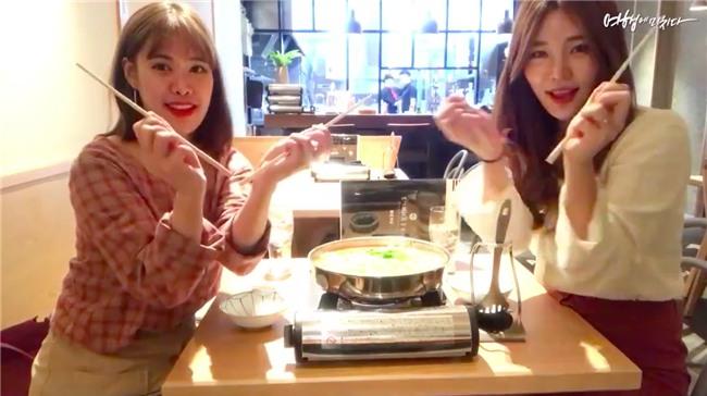 Clip siêu xinh xắn của 2 cô bạn Hàn Quốc đi du lịch cùng nhau: Thôi, cần bạn trai làm gì!-4