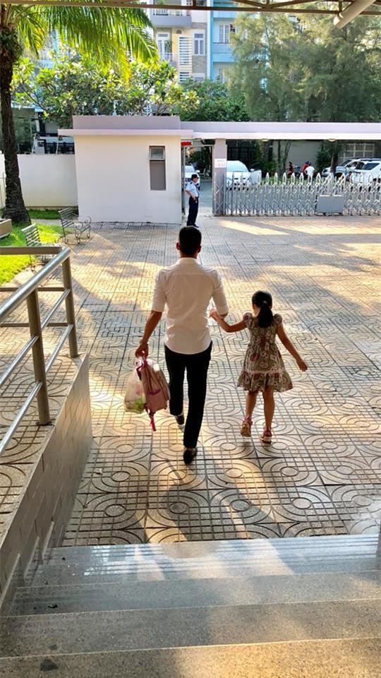 Bất ngờ trước hình ảnh mới nhất của con gái Công Vinh - Thủy Tiên: Mới 4 tuổi mà đã lớn thế này! - Ảnh 2.