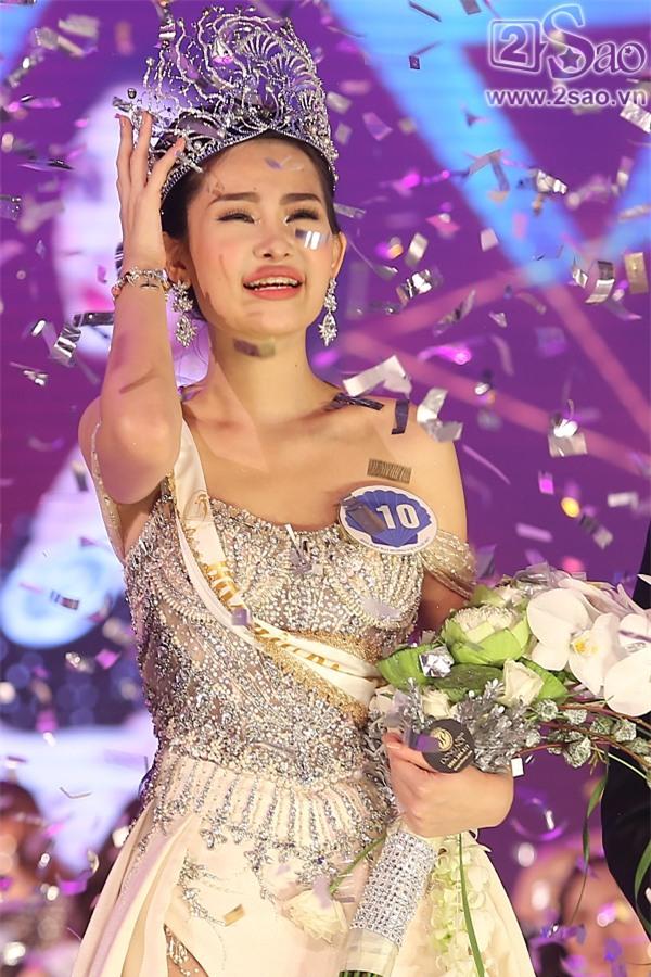 Cười ra nước mắt những màn ứng xử khôi hài chỉ có ở Hoa hậu Đại Dương-4