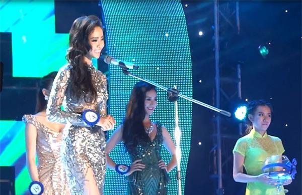 Cười ra nước mắt những màn ứng xử khôi hài chỉ có ở Hoa hậu Đại Dương-5
