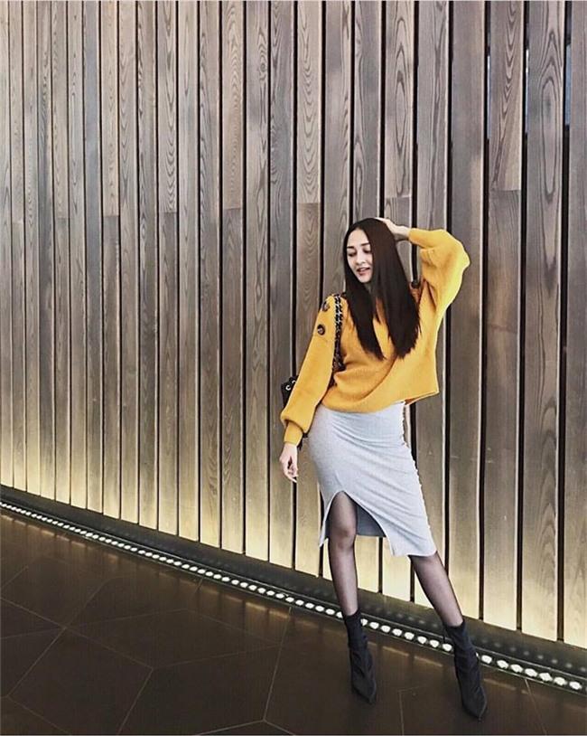 Huyền My gợi cảm - Sơn Tùng lăng xê mốt quần của bố trong street style tuần này-9