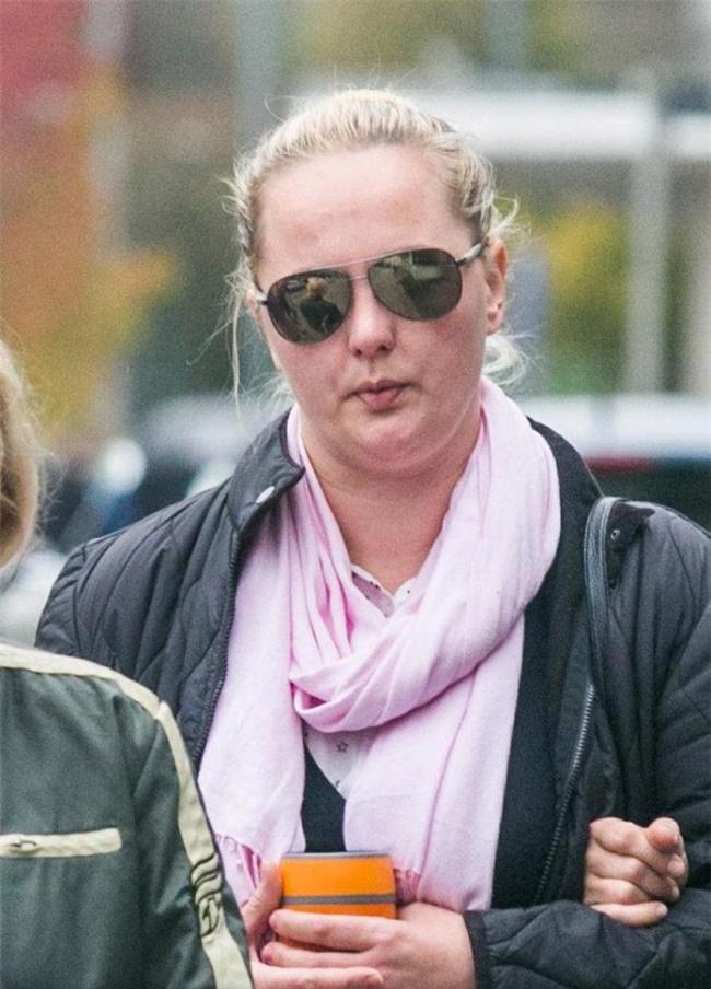 Không xé quần áo, không cắt tóc, đây là màn trả thù quá khủng khiếp người phụ nữ này dành cho tình địch xinh đẹp - Ảnh 3.
