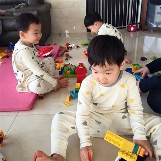 Ông bố quốc dân xứ Hàn và cách dạy 3 con sinh ba đến chuyên gia tâm lý cũng phải khen ngợi - Ảnh 10.