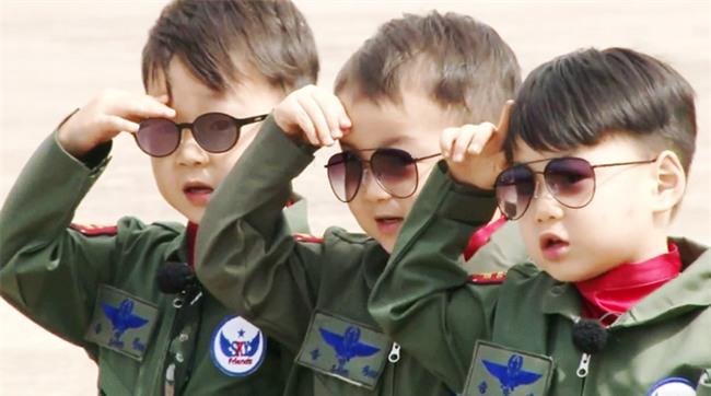 Ông bố quốc dân xứ Hàn và cách dạy 3 con sinh ba đến chuyên gia tâm lý cũng phải khen ngợi - Ảnh 13.
