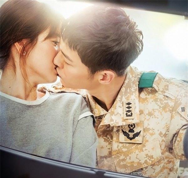 nhung cot moc choi loi trong con duong tinh yeu cua song joong ki - song hye kyo - 5