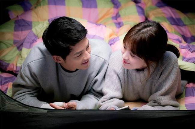 nhung cot moc choi loi trong con duong tinh yeu cua song joong ki - song hye kyo - 6