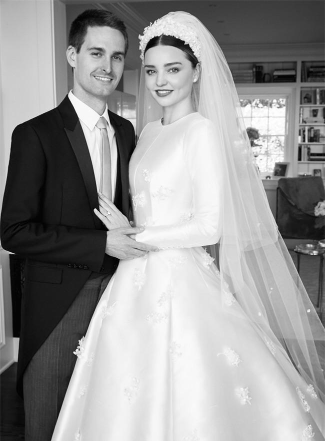 Cùng với Song Hye Kyo, nhiều người đẹp cũng diện thiết kế váy cưới của Dior trong ngày trọng đại-7