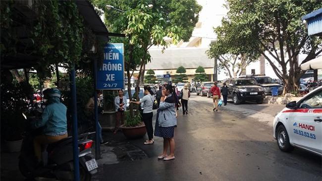 Lý do bảo vệ bệnh viện Phụ Sản Hà Nội đánh rách mặt người nhà bệnh nhân - Ảnh 2.