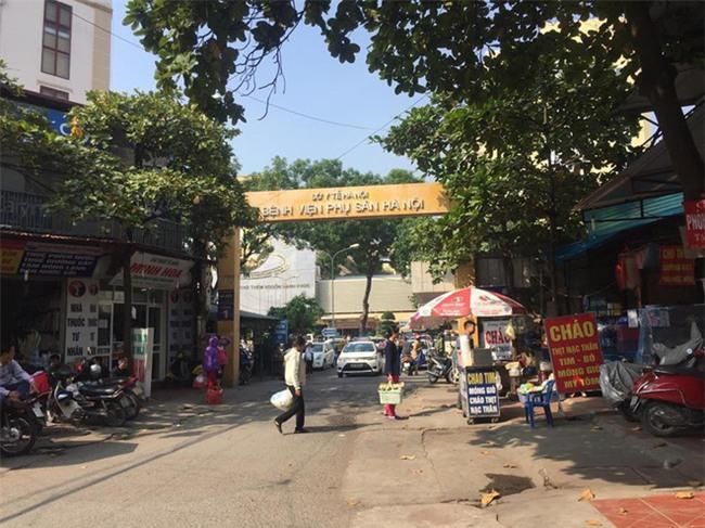 Lý do bảo vệ bệnh viện Phụ Sản Hà Nội đánh rách mặt người nhà bệnh nhân - Ảnh 3.