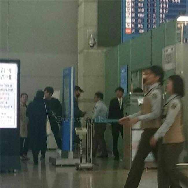 Hôm nay vợ chồng Song Joong Ki và Song Hye Kyo đã cấp tốc sang châu Âu hưởng tuần trăng mật - Ảnh 4.