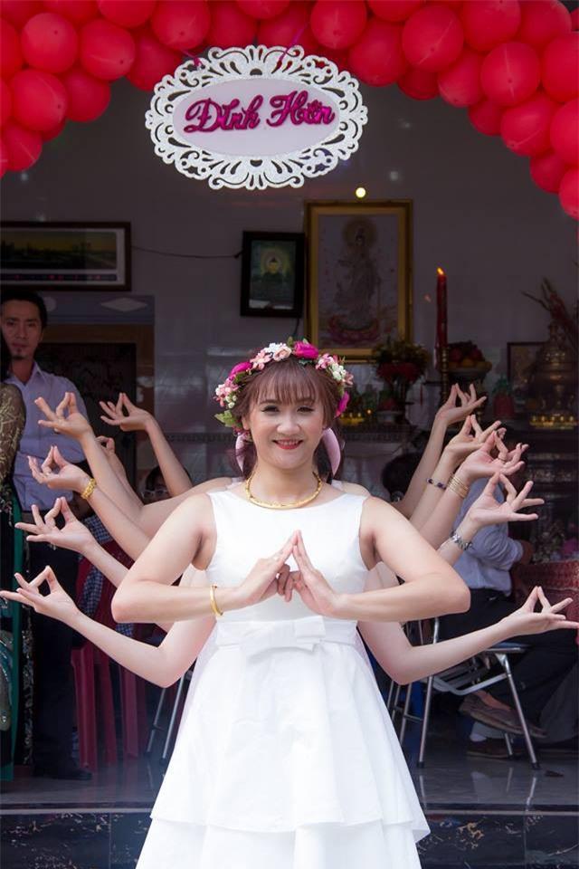 Trang phục cực chất và dàn xế khủng rước dâu trong đám cưới của cặp đôi Sài Thành - Ảnh 6.