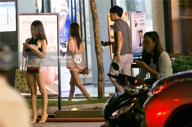 HOT: Midu đi với bạn trai mới, chạm trán Thúy Vi giữa phố đi bộ - Ảnh 16.