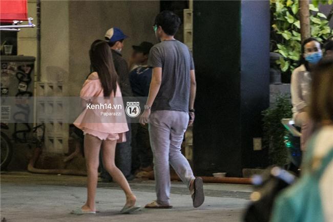 HOT: Midu đi với bạn trai mới, chạm trán Thúy Vi giữa phố đi bộ - Ảnh 18.