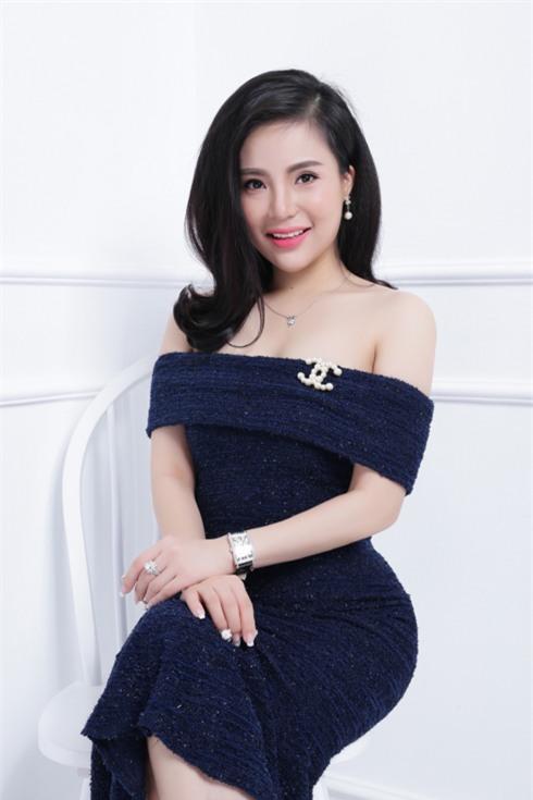 Chân dung bà chủ lô mỹ phẩm 11 tỷ không rõ nguồn gốc: Từng được đề cử tham dự Hoa hậu quý bà Châu Á 2017 - Ảnh 2.