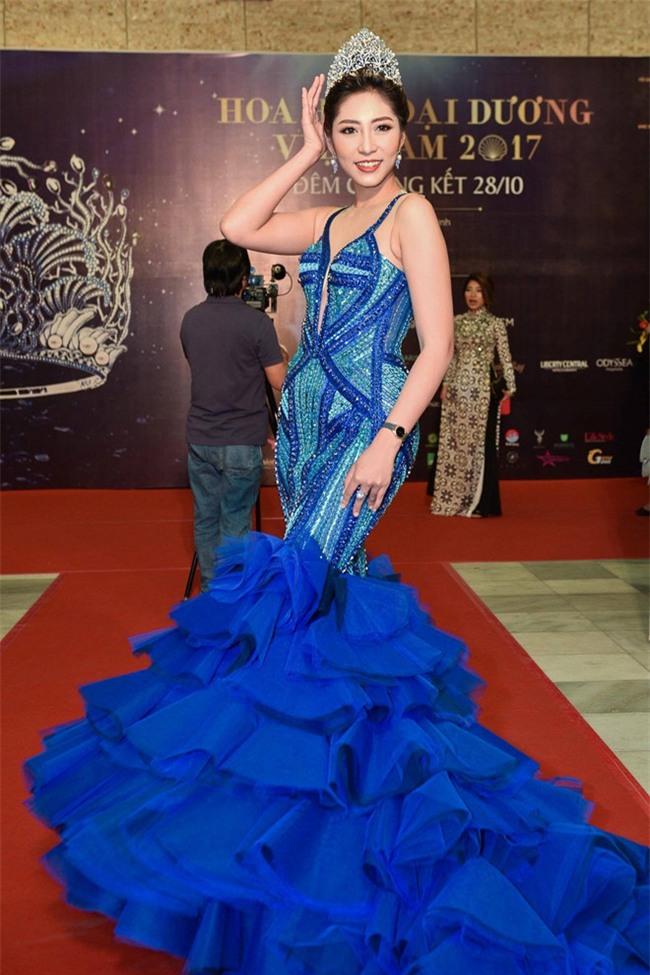 BTC Hoa hậu Đại dương: Thí sinh cởi đồ trước bác sĩ nam là nói quá-3