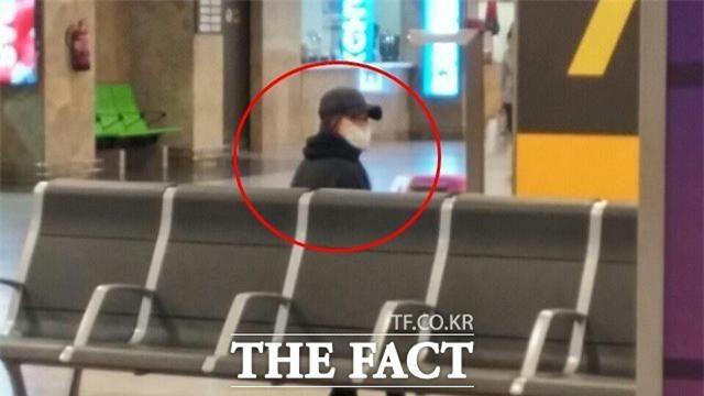 Báo Hàn đăng ảnh độc quyền: Song Joong Ki và Song Hye Kyo xuất hiện tại Tây Ban Nha trong chuyến trăng mật - Ảnh 2.