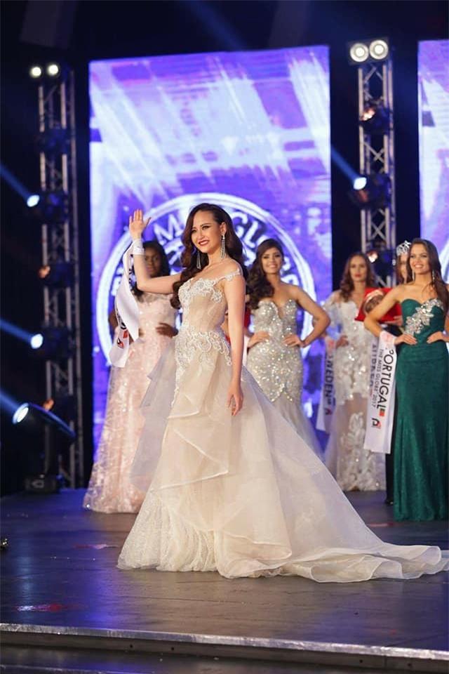 Đi thi trong âm thầm, Khánh Ngân xuất sắc đăng quang Hoa hậu Sắc đẹp Hoàn cầu 2017-3