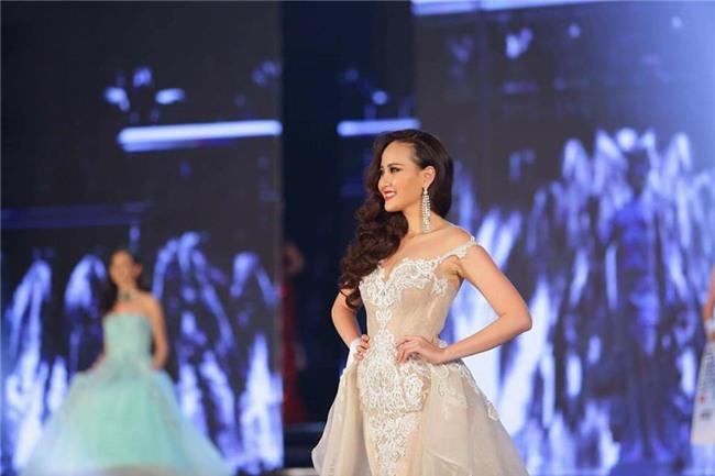 Đi thi trong âm thầm, Khánh Ngân xuất sắc đăng quang Hoa hậu Sắc đẹp Hoàn cầu 2017-4