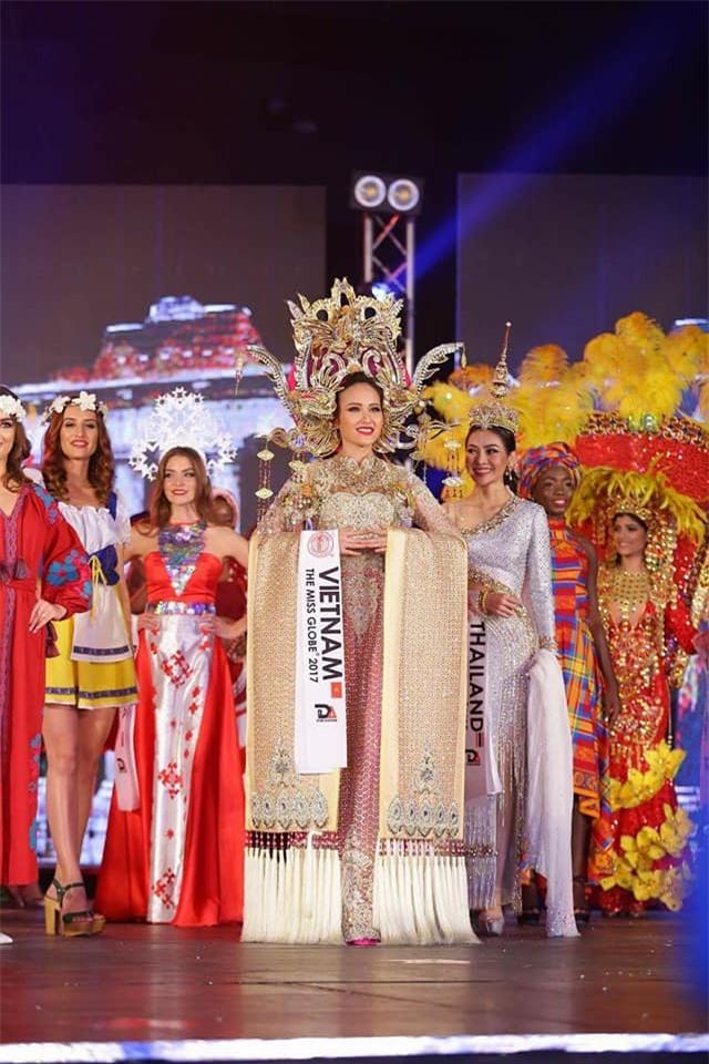 Đi thi trong âm thầm, Khánh Ngân xuất sắc đăng quang Hoa hậu Sắc đẹp Hoàn cầu 2017-8