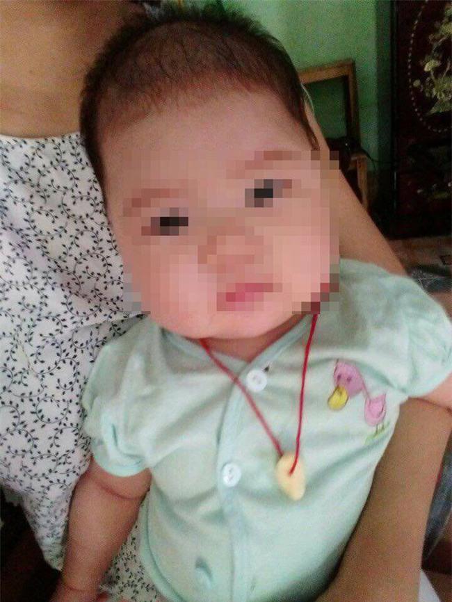 Tuyên Quang: Giữa đêm người nhà ôm thi thể bé gái 5 tháng tuổi quay lại BV yêu cầu làm rõ cái chết bất thường - Ảnh 3.
