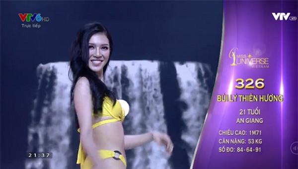 Hoàng Thùy và Mâu thủy tỏa sáng rực rỡ đêm bán kết Hoa hậu Hoàn vũ Việt Nam 2017-11