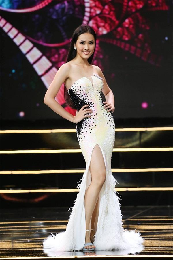 Hoàng Thùy và Mâu thủy tỏa sáng rực rỡ đêm bán kết Hoa hậu Hoàn vũ Việt Nam 2017-13