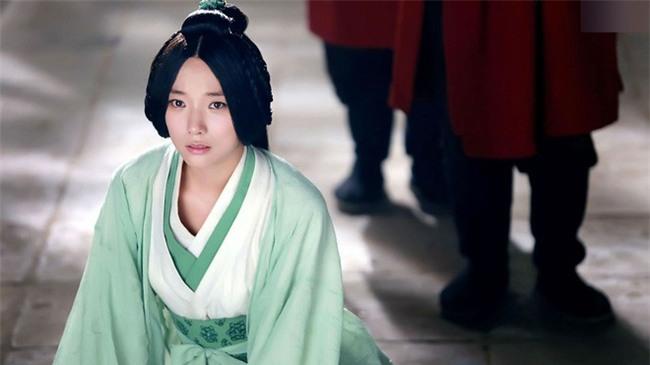 Hoàng hậu Vệ Tử Phu: Xuất thân là ca kỹ, lên ngôi Hậu vì bị hãm hại, khi chết được an táng qua loa nơi vệ đường - Ảnh 4.