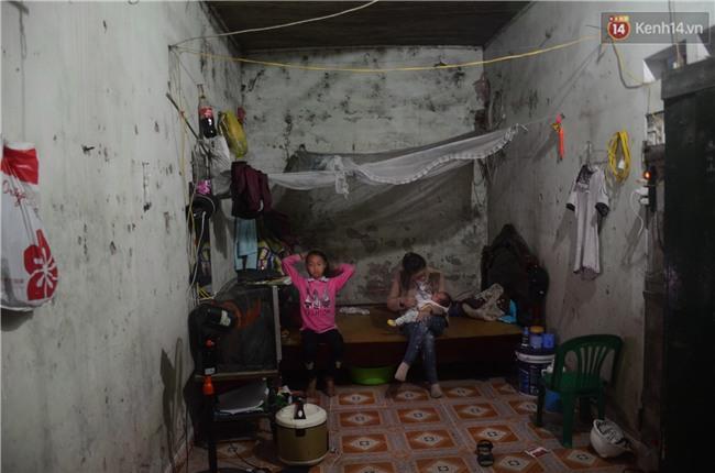 Chuyện lạ giữa Hà Nội: Người mẹ 29 tuổi sinh 8 người con trong vòng 12 năm - Ảnh 1.