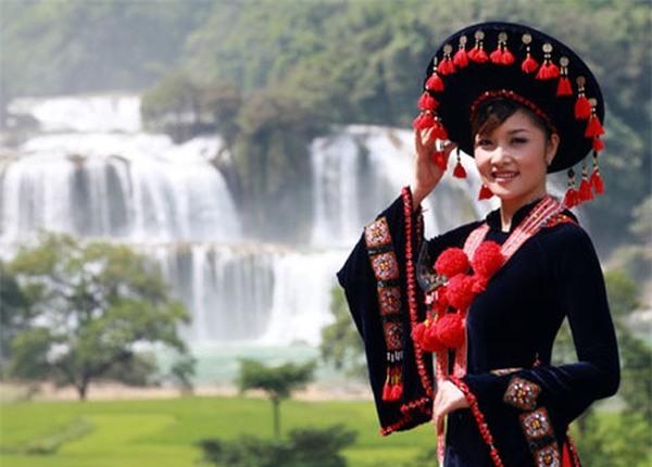 Những hoa hậu tự trả vương miện gây tranh cãi nhất showbiz Việt-5