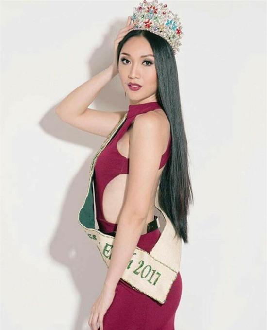 Sự chênh lệch nhan sắc của Hoa hậu Trái đất trước và sau photoshop: Cứ như ảnh avatar facebook và ảnh bị tag vào! - Ảnh 7.