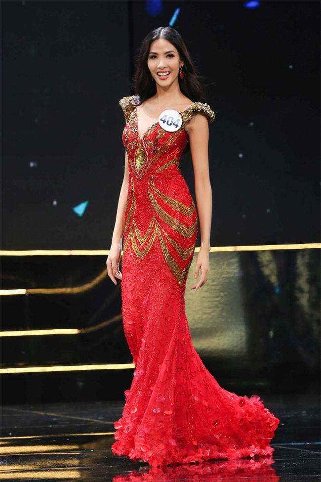UBND tỉnh Khánh Hòa yêu cầu hoãn thi giữa mưa bão, Hoa hậu Hoàn vũ vẫn bất chấp - Ảnh 2.