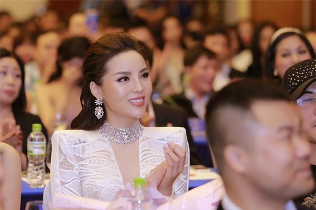 Hoa hậu Kỳ Duyên: Tôi chỉ thua Phạm Hương ở kinh nghiệm làm huấn luyện viên! - Ảnh 2.