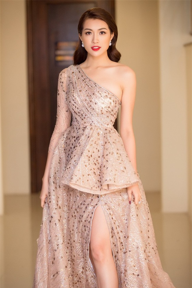 Nhặt sạn đêm Bán kết kém hấp dẫn của Hoa hậu Hoàn vũ 2017 - Ảnh 13.