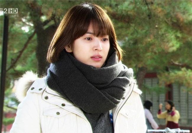 19 năm nhìn lại nhan sắc của Song Hye Kyo: Thì ra đây là lý do tường thành mãi không thể bị đạp đổ - Ảnh 23.